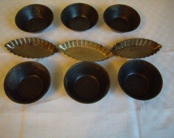Lot of 9 tarts in metal moulds. 2 sizes. French pastry. France Vintage 1970s