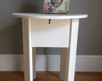 Vintage Shabby Chic Sewing Table / Side Table