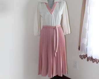 70s Rose and Cream Dress by House of NuMode, Pleated Ultra Suede Skirt Vee Neck Tie Belt, Size 11 12 Dress