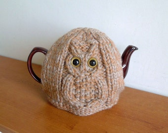 Brown Owl knitted tea cosy for a teapot. Fits 2 pint, 4-6 cup, 40 fl oz. 1.2L . British handmade tea cosy, dad tea cosy, cable, fathers day