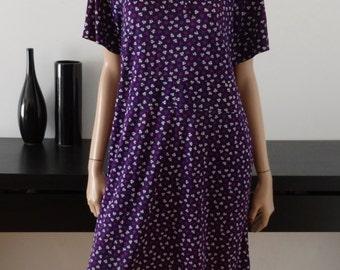 Robe vintage violet fleurs blanches/violet taille 42 - uk 14 - us 10
