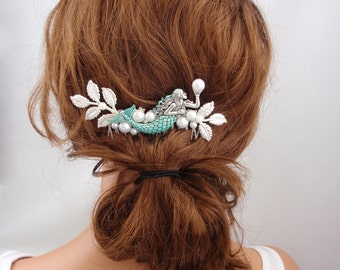 Turquoise blue silver hair comb. Mermaid beach wedding silver hair comb. White pearl romantic vintage style