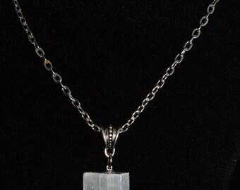 Selenite Necklace . Selenite Pendant Necklace . Healing Selenite Necklace . Boho Stone Jewelry . Chakra Healing Selenite . Healing Crystals