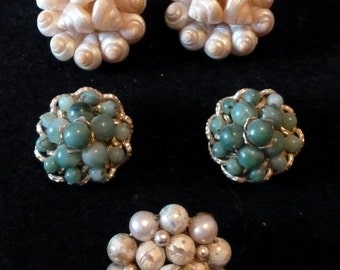 VINTAGE 1950s Cluster Earrings - Shells and Beads