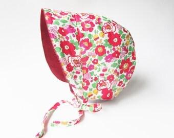 Girl Baby bonnet, Linen or Corduroy, Baby Sun Bonnet, Baby Sunhat, Reversible Baby Hat, Red Flower Hat, Sun bonnet, Linen Hat, Floral Bonnet