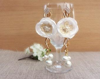Flower wedding earrings White wedding jewelry Bridesmaid Gift Floral earrings Bridal earrings White dangle earrings Rose earrings Occasional