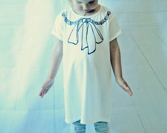 Organic Baby Clothes, girl's T-shirt, Hand painted, Adult T-shirt, Butterflies, Bow-Knot, Knot, Bow, Tops