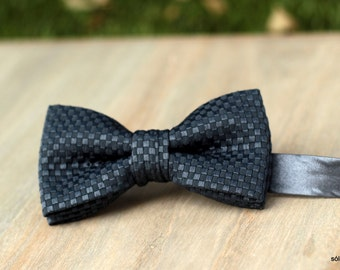 Bow 76. Grey smart. Handmade bowtie made with high quality quilting fabric.