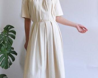 Minimalist Cream Linen Dress / Short sleeved High neck Pleated / M L medium large