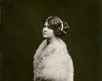 Bellocq Photo, Storyville Prostitute with White Fur, New Orleans, 1910-15
