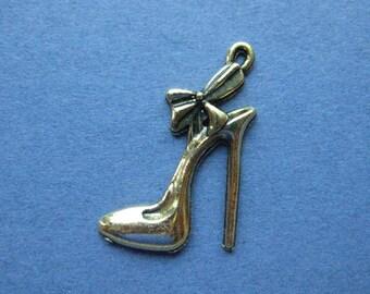 10 High Heel Shoe Charm- High Heel Shoe Pendant -  Shoe Charm - Shoe Pendant - Stiletto - Gold Tone - 31mm x 21mm  --(No.117-12079)