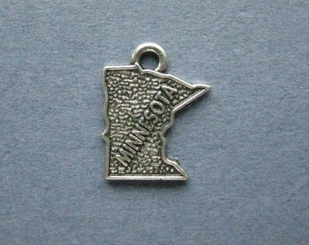 5 Minnesota Charms - Minnesota Pendants - State Charms - Minnesota - Antique Silver - 14mm x 17mm  -- (S5-12134)