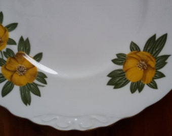 Vintage Cake Plate with Buttercup Pattern