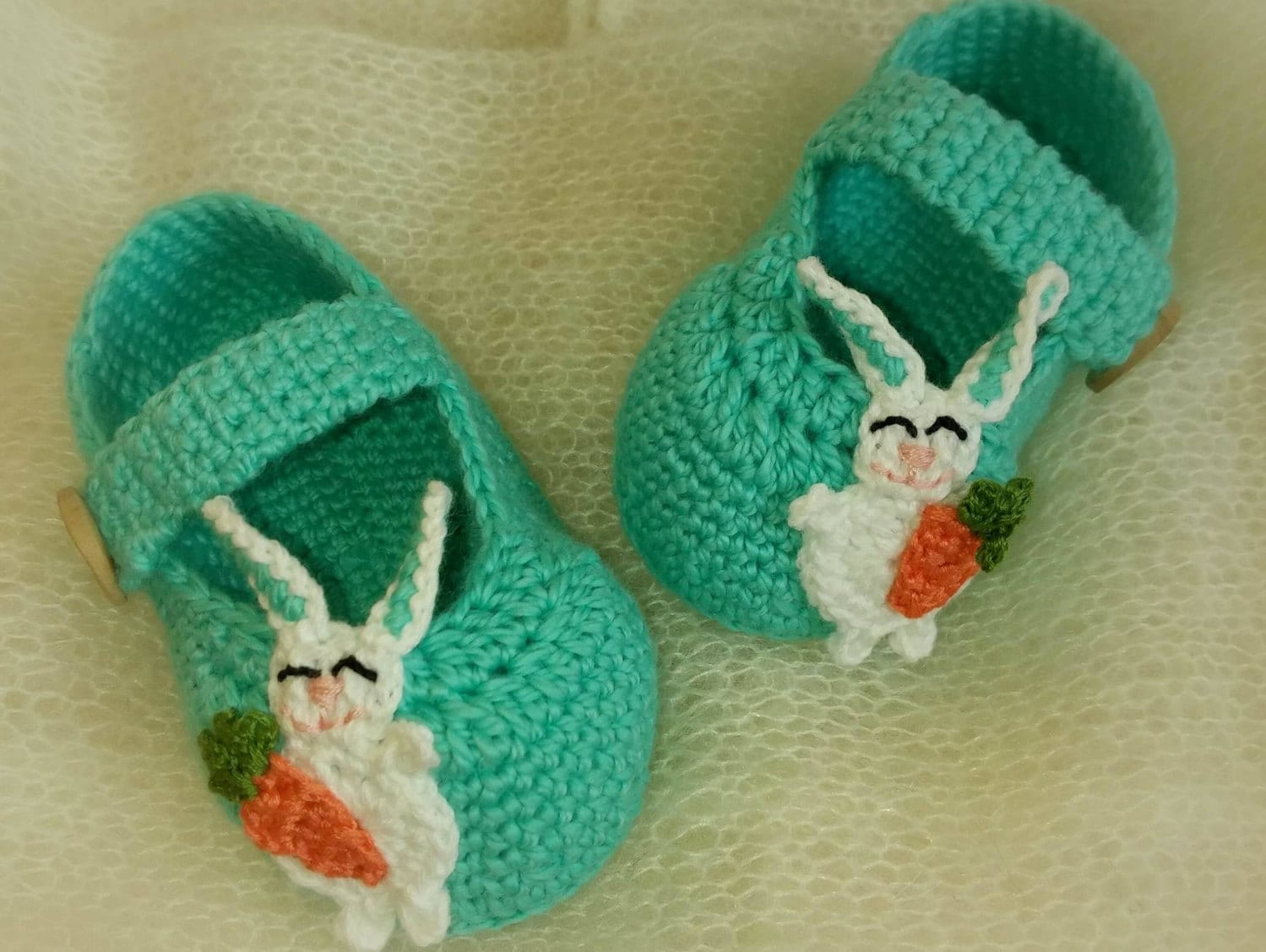 Crochet Bunny Baby Booties Pattern : Crochet baby booties / Crochet bunny slippers / Baby booties