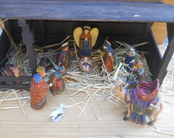 Nativity Set/Scene wth Stable