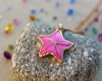 Hot Pink Starfish Necklace || Gold Tone ~ Oceanic/Marine Seastar Jewelry ~ Beach Themed ~ Marine Life ~ Sea Animals ~ Gift for Her