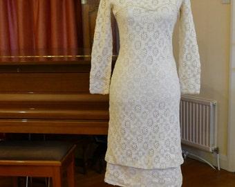 Cream Lace Shift Dress. So Sixties!