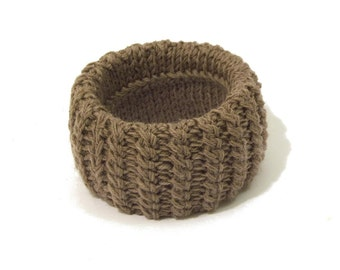 CEDAR WOOD Bracelet in a sweater