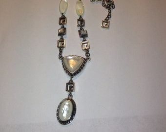 Beautiful large mother of pearl sterling silver 22 inch necklace.