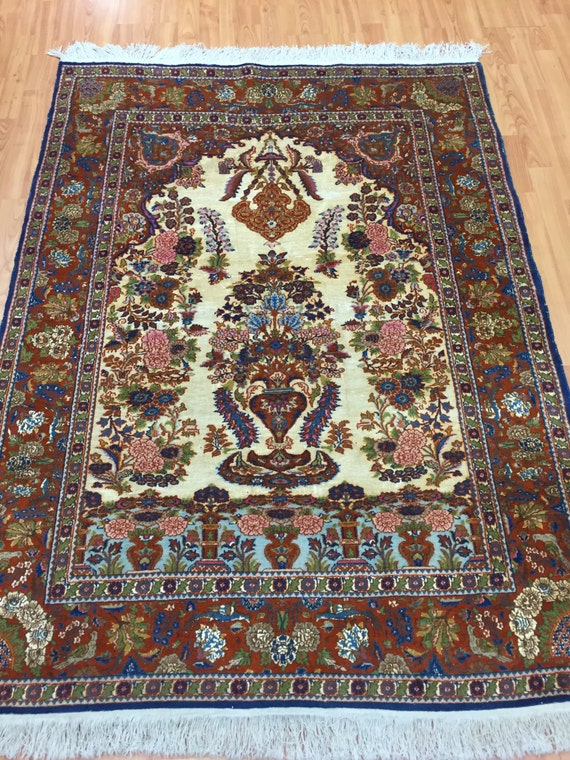 "4'2"" x 5'7"" Turkish Prayer Rug - 1980s - Hand Made - Wool and Silk"