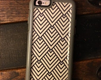 OtterBox MySymmetry Series iPhone 6/6s Cell Phone Case Single Insert {Icon}