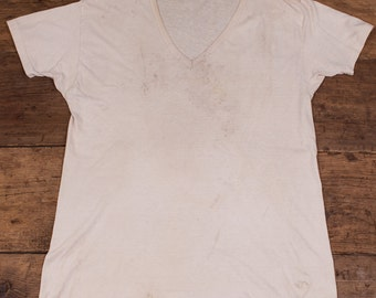 Vintage 1960's Beaten Sun Bleached Stained Thinned White T-Shirt Shirt. Mens Medium HW62
