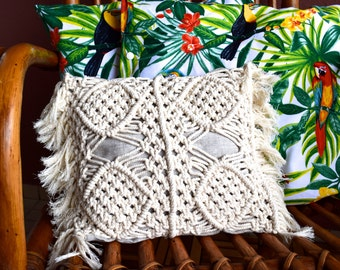 OSLOB - Cushion in linen and macrame