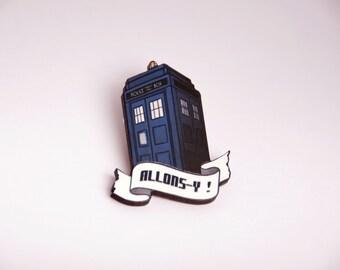 Dr Who Tardis brooch - David Tennant - Space ship - Geek and nerd - Netflix - Laser cut wood