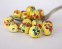 8 Ceramic Painted Beads Round Yellow Floral size 10mm