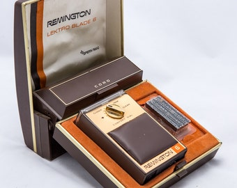 1960's Remington Lektro Blade 6 Electric Shaver in Case