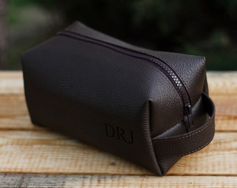 Leather Personalized Dopp Kit, leather, Mens Toiletry Bag, Mens Wash Bag, Mens Cosmetic Bag, men's travel case, Shaving Bag