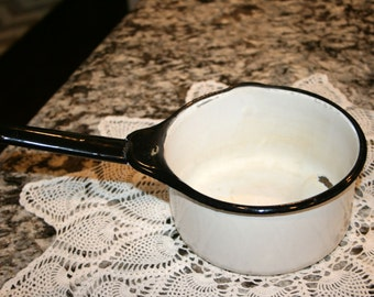 White Enamelware//White with Black Strip Pan//Vintage Enamel Pan