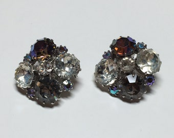 Vintage Unsigned Weiss AB Rhinestone Clip On Earrings