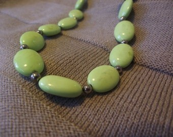 Light Green Agate Beaded necklace 19.5 inches long