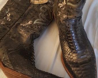 Vintage cowboy boots, women's, corral, size 10