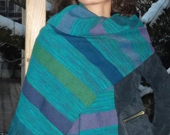 Hand woven cashmere scarf