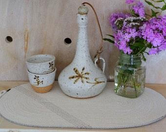 Table mat, place mat, pot holder, trivet, Natural cotton rope with black detail