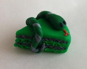 Slytherin cake magnet