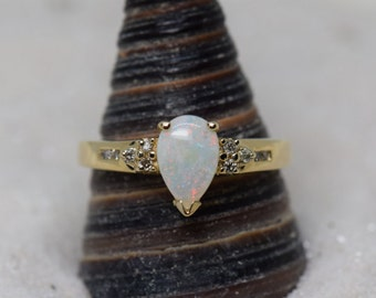 14 Karat Yellow Gold Pear Cut Opal Gemstone and Diamond Ring, US Size 8.5, Used Vintage