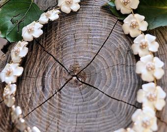 Bridal Headpiece, flowers Pearl Bridal Hair Piece, Iwhite Bridal Headpiece, Bridal Hair Adornments, Wedding Jewellery, Bridal Halo