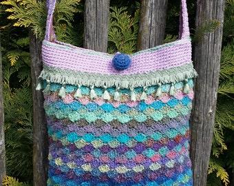 Shoulder bag folklore style