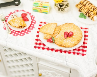 Crepes with Fresh Strawberries and Powdered Sugar - 1:12 Dollhouse Miniature