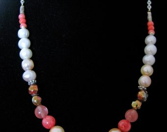 Pearl Necklace with stone mix