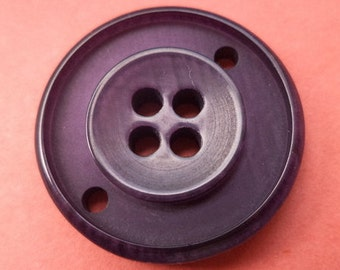 8 purple buttons 22mm (1598)