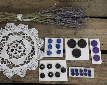 Assortment of Buttons/Vintage Sewing/ Vintage Buttons/Scrapbook Supplies/Craft Supplies    (Set B)