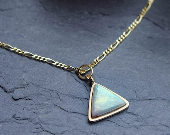 Lightning Ridge Opal Necklace (9ct gold)