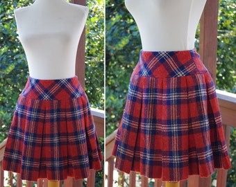 SCHOOL Days 1960's 70's Vintage Deep Rust Red + Navy Plaid WOOL Pleated Mini Skirt // size XS Small // W 24 25 // by Robbie Rivers