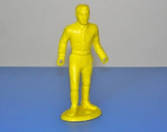 Vintage Plastic Yellow Army Man MPC Ring Hands