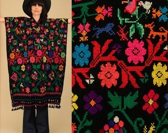 ViNtAgE 60s 70's Fringe Huipil Poncho Black Colorful Floral Caftan Mexican Artisan Embroidered Maxi Cape Sweater Needle Point Punto de Cruz