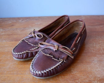 vintage minnetonka moccasins 8.5 / brown leather loafers / leather moccasins